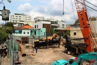 Cần cẩu công trình dự án 376 Điện Biên Phủ, TP. HCM đổ sập xuống trường mầm non