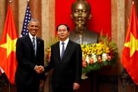 Việt - Mỹ ký một loạt văn kiện