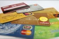 Tạm giữ hai đối tượng người Trung Quốc dùng thẻ ATM giả rút tiền