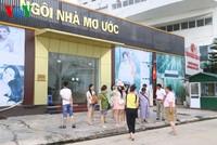 Điểm bán hàng chuyên phục vụ khách Trung Quốc niêm yết giá bằng ngoại tệ bị phạt 500 triệu đồng