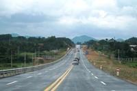 Mở rộng đường cao tốc Yên Bái - Lào Cai lên 4 làn xe