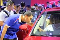 Người Việt mua hơn 300.000 ôtô năm 2016