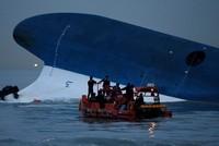 Hàn Quốc chuẩn bị trục vớt phà Sewol, tìm 9 người mất tích