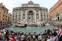 Gần 1,5 triệu USD gom được trong đài phun nước Rome