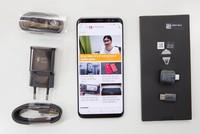 Mở hộp Samsung Galaxy S8 chính hãng tại Việt Nam