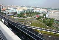 Nghịch lý giao thông ở đường vào sân bay Tân Sơn Nhất