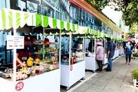 Hình ảnh khu phố ẩm thực theo giờ của TP.HCM ngày đầu hoạt động