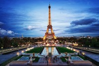 Pháp rao tìm doanh nghiệp mang cầu thang tháp Eiffel đến Việt Nam