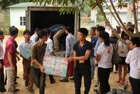 Doanh nghiệp, báo chí Thủ đô trao quà từ thiện tại Sơn La