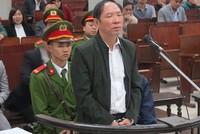 Xét xử nguyên Phó giám đốc Sở Nông nghiệp Hà Nội: Nhân viên, người lao động xin giảm nhẹ tội cho sếp cũ