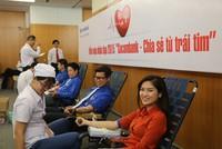 Cán bộ nhân viên Sacombank tham gia hiến máu nhân đạo