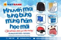 Gần 1.000 quà tặng mừng năm học mới tại VietBank
