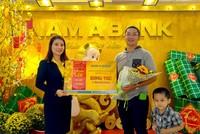 Nam A Bank trao tặng 5 lượng vàng đến các khách hàng