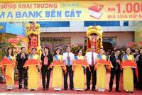 Nam A Bank khai trương điểm giao dịch Bến Cát