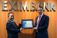 """Eximbank nhận giải """"Chất lượng thanh toán quốc tế xuất sắc năm 2016"""""""