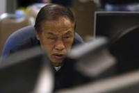 Bán tháo tiếp tục, chứng khoán Trung Quốc đóng cửa lần 2 tuần đầu năm mới