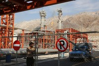 Ấn Độ nâng mức đầu tư vào ngành năng lượng Iran lên 20 tỷ USD