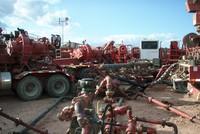 Giá dầu lên 45 USD/thùng, nhiều công ty năng lượng Mỹ vẫn chết