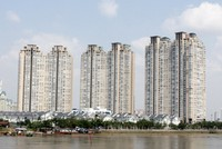 Chung cư Saigon Pearl cắt nước vì dân nợ phí bảo trì