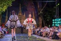 Cuốn hút màn trình diễn thời gian Ý trên đường phố Hà Nội