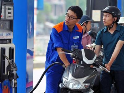 Giá xăng có khả năng tăng 500 đồng/lít trong hôm nay