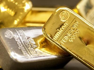 Giá vàng hôm nay (26/5): Trong nước trái chiều, thế giới đi xuống