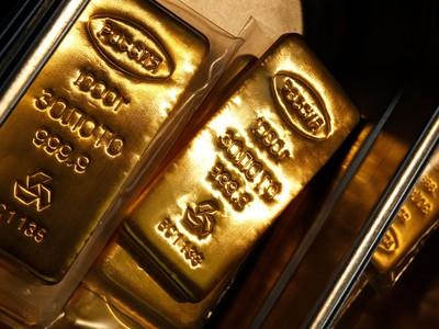 Giá vàng hôm nay (2/6): Trong nước và thế giới tiếp tục đi xuống