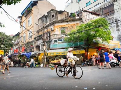 Bloomberg: Chứng khoán Việt Nam tỏa sức nóng khắc nghiệt