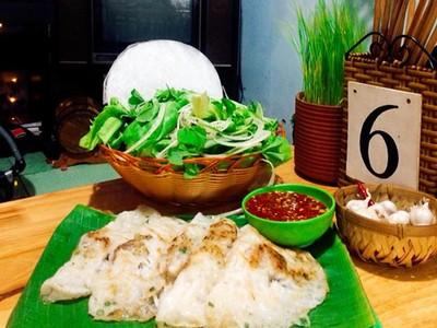 Quán bánh xèo Quảng Ngãi bán 1.000 chiếc mỗi ngày ở Sài Gòn