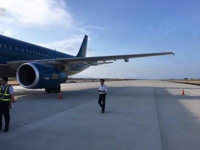 Vụ máy bay hạ cánh nhầm đường băng: Thu bằng lái của cơ trưởng người Mỹ