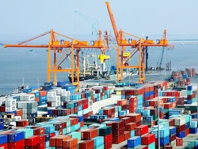 Thặng dư thương mại 5 tháng đạt 3,4 tỷ USD