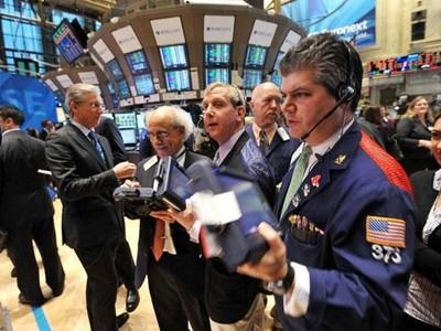 Giới đầu tư hào hứng với dữ liệu kinh tế khả quan