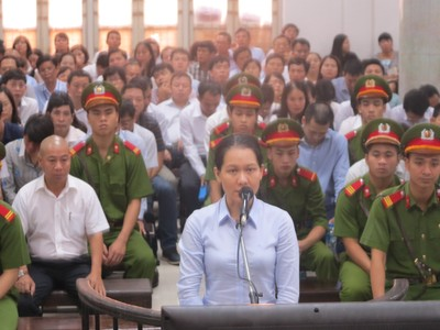 """Cựu Tổng giám đốc Oceanbank Nguyễn Minh Thu khai chi lãi ngoài """"thụ động"""""""