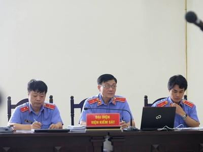 Tiếp tục đề nghị mức án 13 năm tù với ông Đinh La Thăng