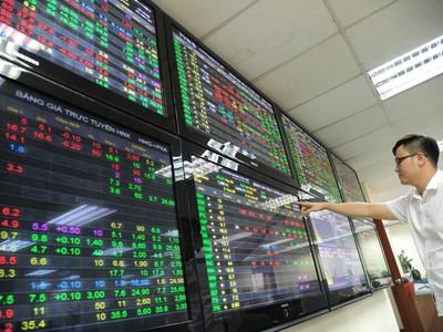 Chủ tịch UBCK: Sẽ kiên trì tái cấu trúc và giữ sự bền vững của thị trường chứng khoán