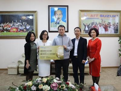 Bảo hiểm Bảo Việt trao thưởng cho U23 Việt Nam