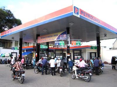 Lại đề xuất lập sàn đấu giá xăng dầu để minh bạch cơ chế giá