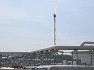 Giá dầu tăng, cổ phiếu dầu khí vào guồng