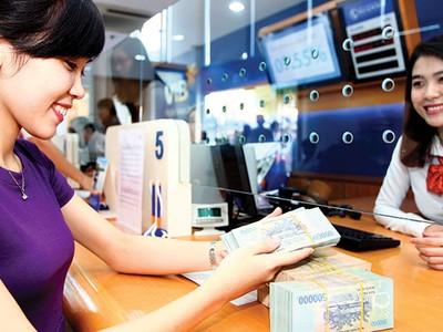 Đua kích cầu tín dụng: Lãi suất vẫn khó giảm