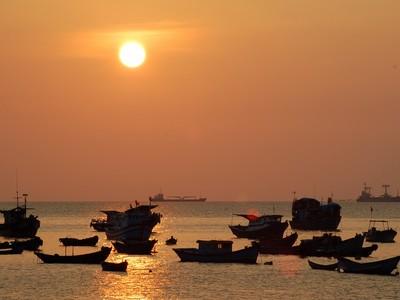 """Biển Vũng Tàu """"đẹp từng cen-ti-mét"""""""