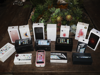 Bộ sưu tập iPhone từ 2G đến 7 duy nhất tại Việt Nam