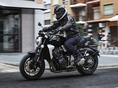 Honda chính thức ra mắt CB1000R thế hệ mới