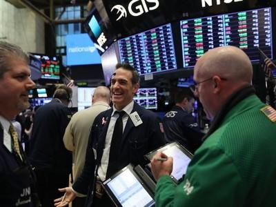 Khối ngoại mua mạnh cổ phiếu thép và tài chính trong phiên 14/11