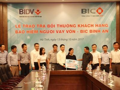 BIC chi trả hơn 800 triệu cho khách hàng tại Hà Tĩnh