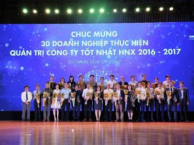 HNX vinh danh 30 doanh nghiệp quản trị tốt nhất và 10 doanh nghiệp tiến bộ nhất về minh bạch 2016-2017