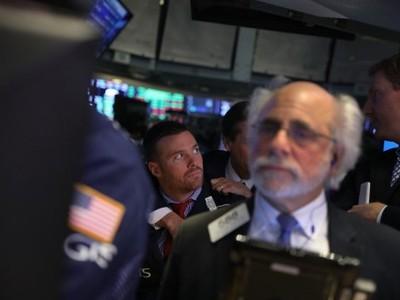 Khối ngoại bán ròng hơn 220 tỷ đồng, mạnh nhất hơn 1 tháng trong ngày 17/11