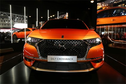 ds-7-crossback-2018-1