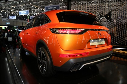 ds-7-crossback-2018-3
