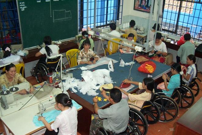 Người khuyết tật tham gia phát triển kinh tế nhờ nguồn vốn chính sách