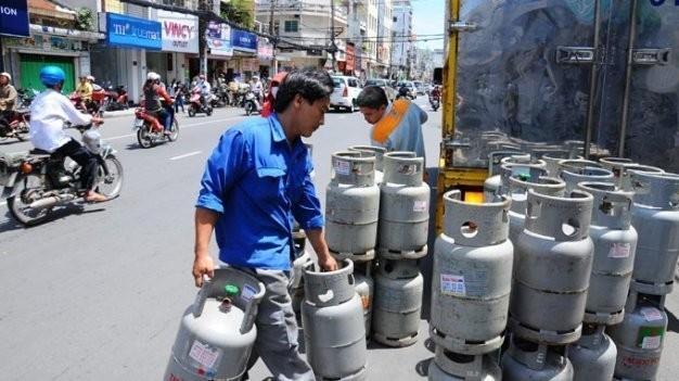 Giá gas tăng 27.000 đồng/bình